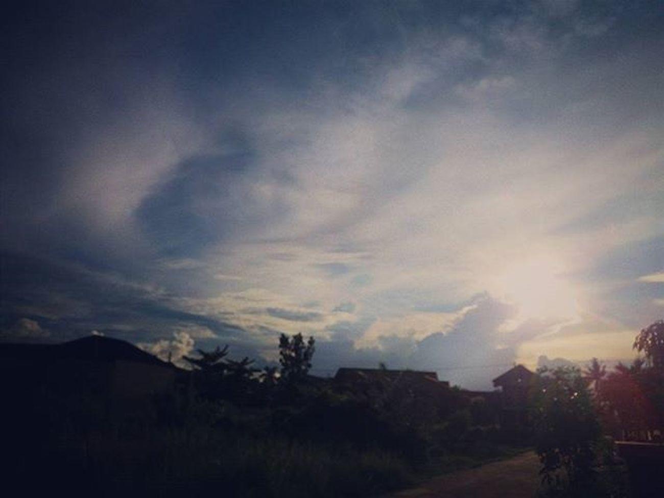 Lagi dan lagi Vscocam Latepost Repost Pekanbaru Riau INDONESIA Indovidgram Cantikindonesi Sunset Sunrise Summer Amazing WOW World Russia End SamsungJ5 Samsung