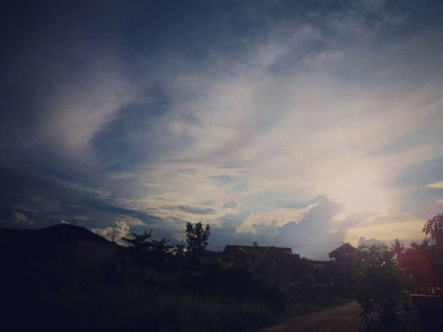 Lagi dan lagi Vscocam Latepost Repost Pekanbaru Riau INDONESIA Indovidgram Cantikindonesi Sunset Sunrise Summer Amazing WOW World Russia End SamsungJ5 Samsung