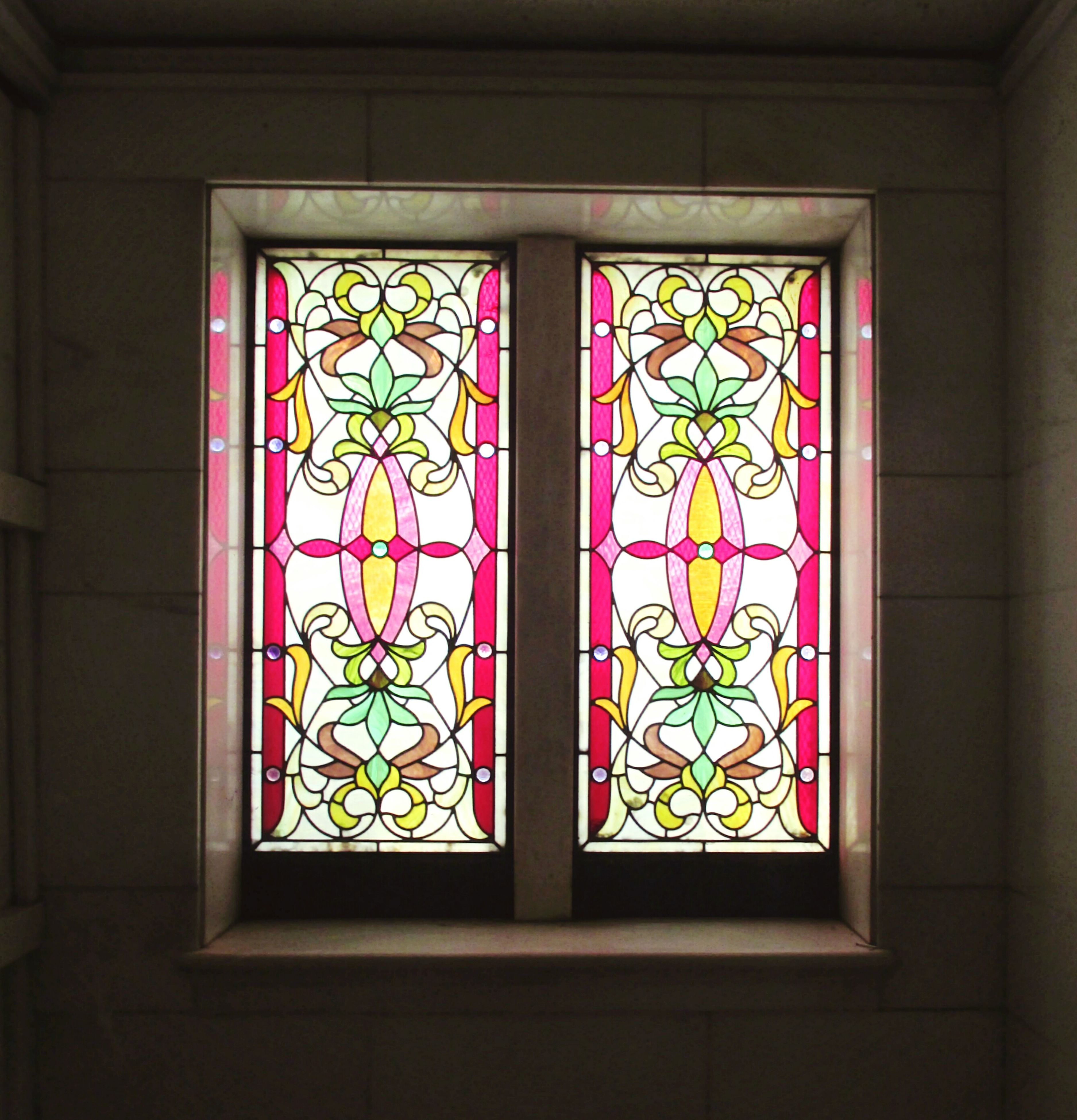 window, indoors, design, glass - material, architecture, built structure, pattern, closed, stained glass, transparent, ornate, door, no people, full frame, day, art and craft, multi colored, house, window frame, decoration