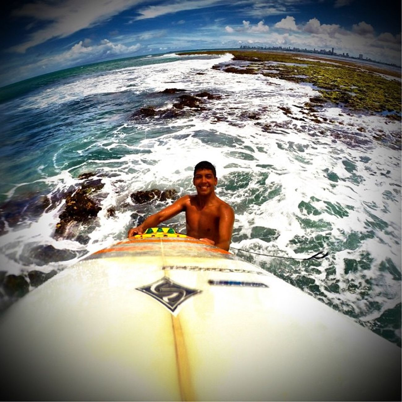 Longe da sociedade! 🌊🏄🙌🌊 Allallauu Gopro Goprosurf Goprohero4 Goprobrasil Goproselfies Goprophototheday Goprophotooftheday - Photooftheday via @lifeapp Surf Storm Session Supertide Surfstorm Selfiegopro Surfingiseverything Dialindo Deusnocontrolesempre LiveTheSearch Beach Mar
