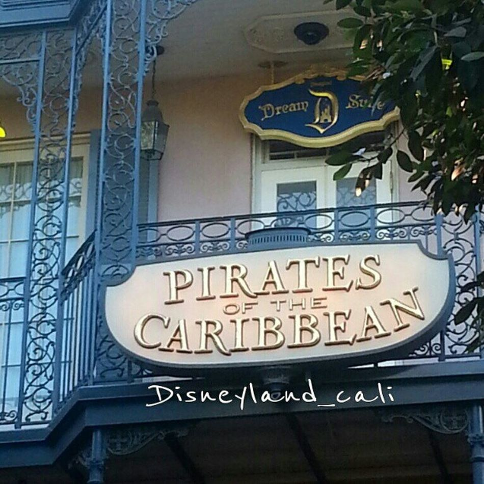 Dream suite!! :).. Disneyland Dreamsuite Piratesofthecarribean .. wouldn't you love to stay in the dream suite??':)