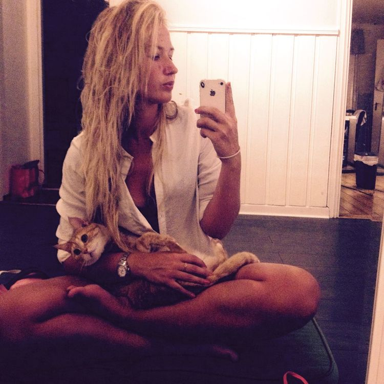 Yoga Taking Photos That's Me Enjoying Life Tigerlou Cat Check This Out Hello World Home Love