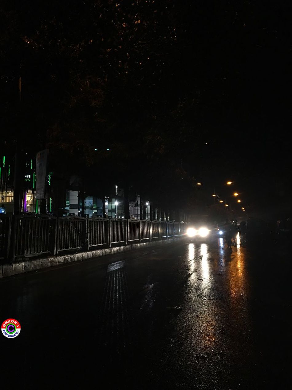Streetphotography Street Photography Rainy Night Light Reflection_collection Reflection Natural Bangladesh EyeEm Bangladesh EyeEm Best Shots Beauty Of The Night Lights In The Dark