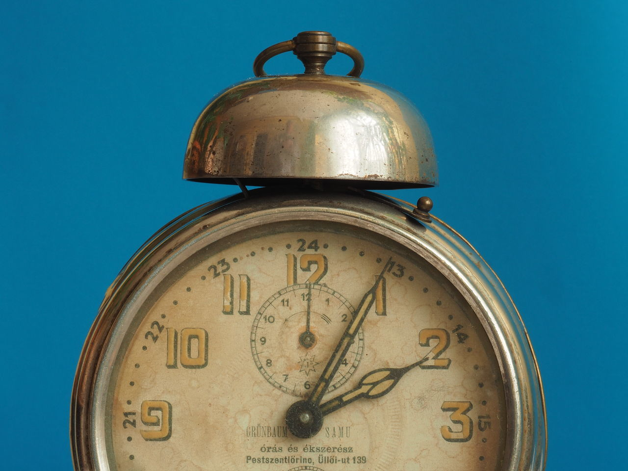 Alarm Alarm Clock Alarm Clocks Alarm Clocks Of My Grandmothers AlarmClock Antique Antique Clock Bell Bell Ring Bell Ringer Clock Clock Structure Close-up From Analog To Digital Herritage Herritage Of My Grandmothers Hour Hand Lieblingsteil Minute Hand My Previous Alarm Clocks Past And Future Past And Present The Time Has Expired The Time Has Passed Time