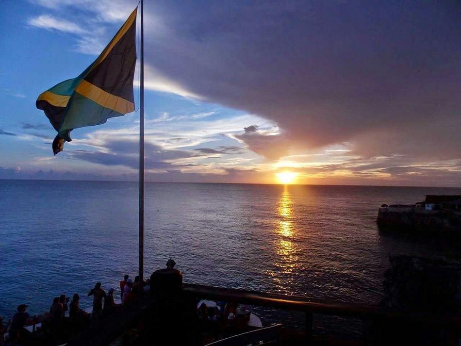 Jamaica Flag EyeEm No Edit I Love Taking Pictures <3 EyeEm Nature Lover Eyeemsunset Beautiful Sunset Vacation Loving Life  Hello World