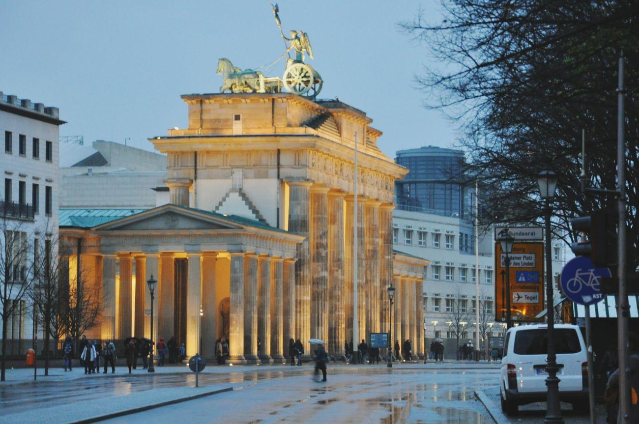 Symbol der Freiheit Symboloffreedom Berlin Brandenburgertor Brandenburger Gate Deutschland First Eyeem Photo
