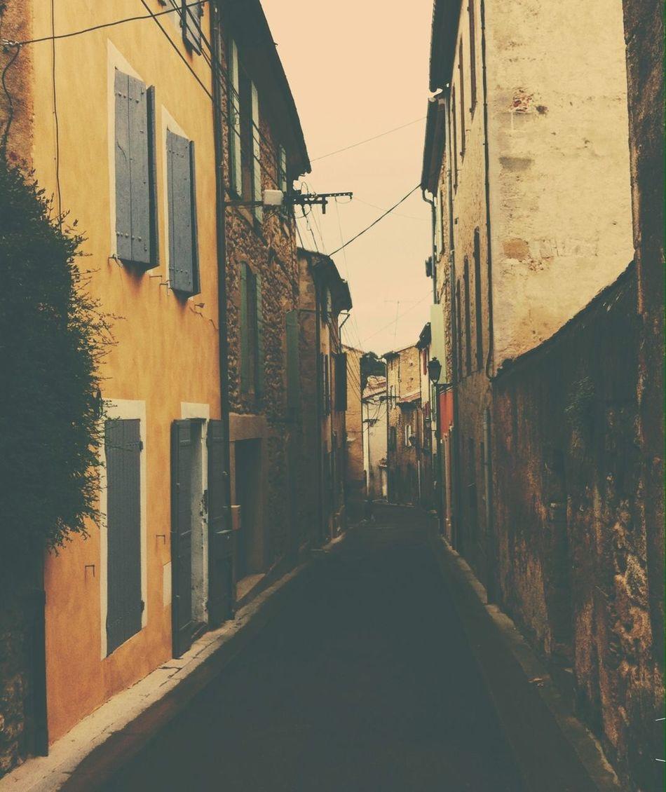 Vintage Street Yellow