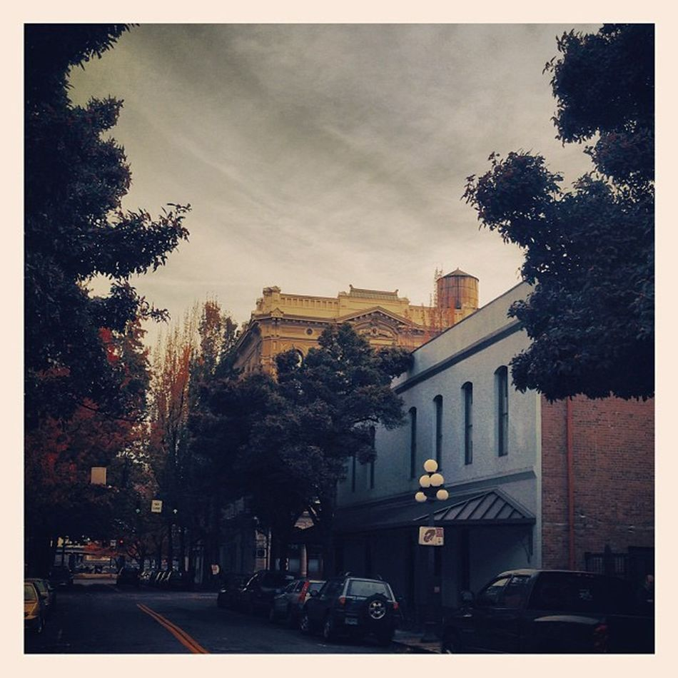 My hood.. Floyd's is on the right.. I couldn't ask for a better existence. Pdx Pdxlove PNW Portlandia Myhood