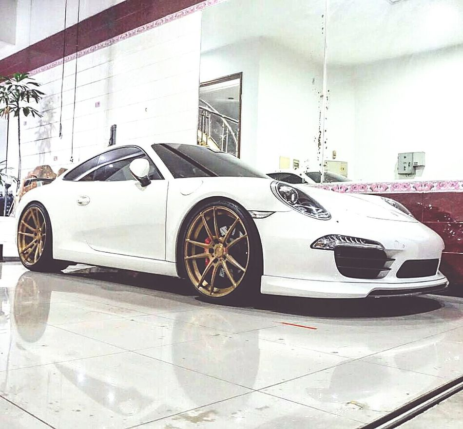 991 carrera s pdk Car Transportation Mode Of Transport Land Vehicle Indoors  No People Motorsport Auto Racing Racecar Day