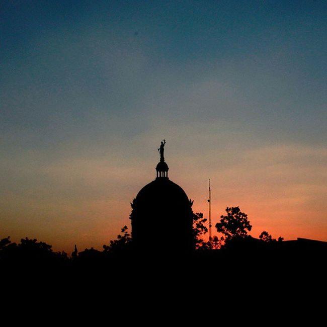 Good night Waco. Wacoisawonderland Vscocam Afterlightapp Snapseed