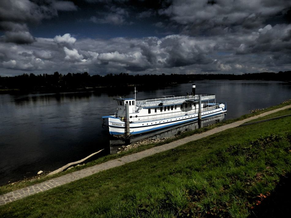 Beauty In Nature Cloud - Sky Nature Outdoors Reflection River Scenics Ship Sky Water