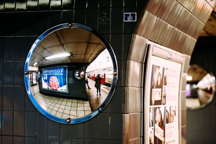 Looking at me.... Selfportrait Streetphotography Notes From The Underground Reflection EyeEm Best Shots Popular Photos Eye4photography  Urban Geometry Light And Shadow The Street Photographer - 2015 EyeEm Awards