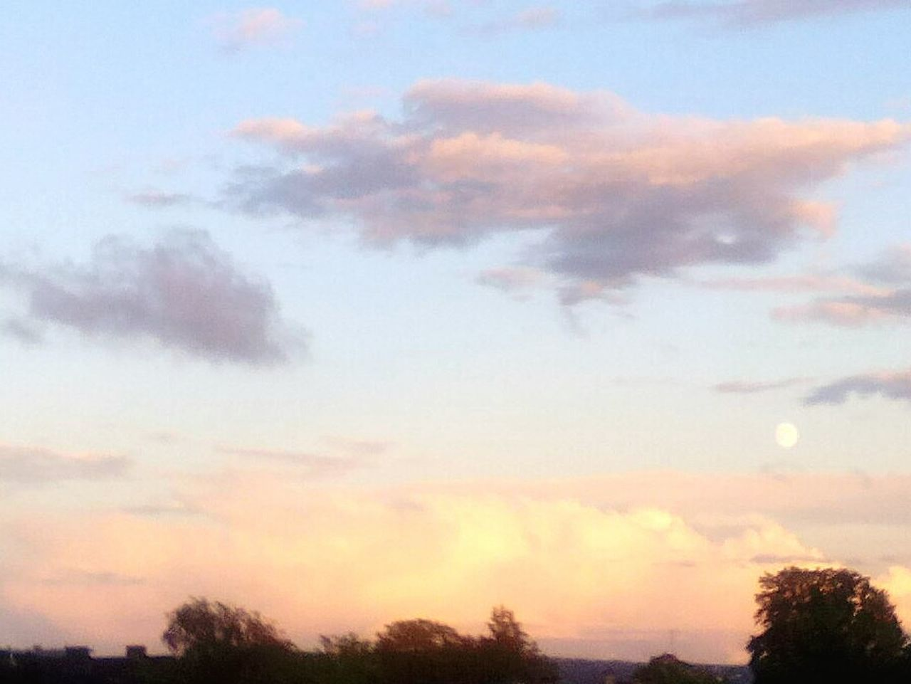 Fullmoon_in Sunset From My Rooftop Balcony View Balcony Shot I 💟 My Appartment Sing A Lullaby😴
