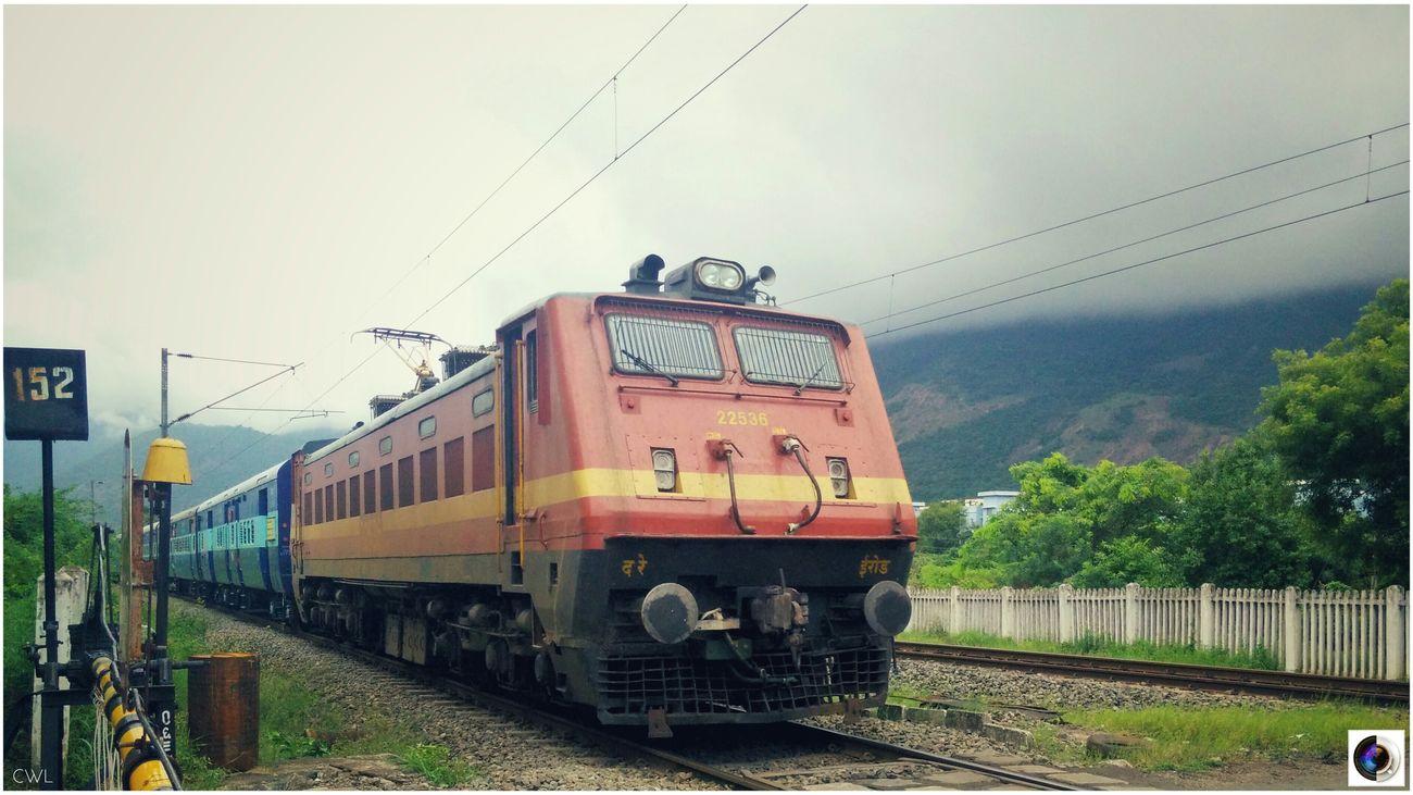 Indian Railways + Nature = WoW Transportation Public Transportation Rail Transportation Train - Vehicle LG G3 LGg3photography Lgg3shot