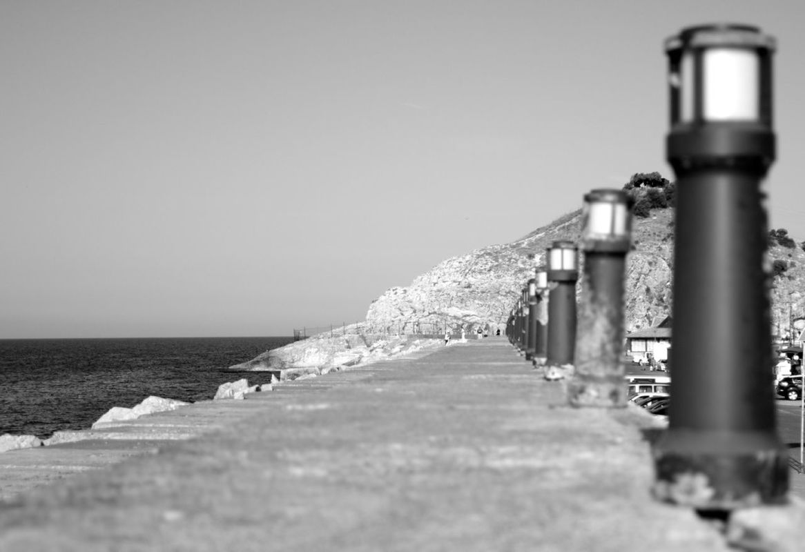seaside TheMinimals (less edit juxt photography) bisgen Hanging out Relaxing sea blackandwhite Taking Photos focus by Ersin Bisgen