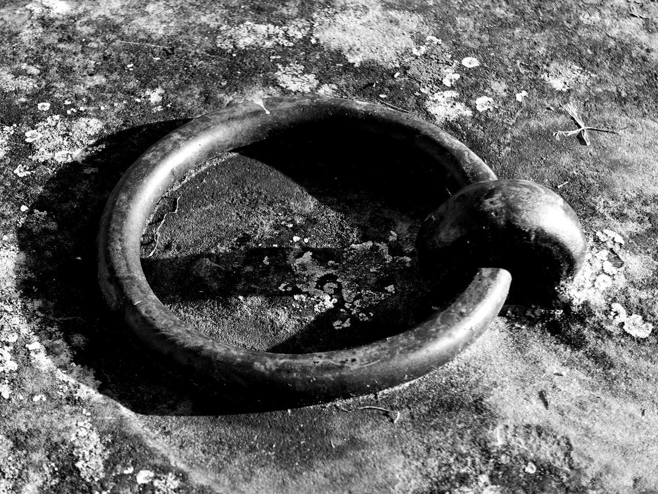Black And White Embankment Fixture Harbor Harbor Wall Metal Monochrome Mooring Ring Old Pier Port Ring Of Steel Rusty Ship Sony Rx100 Iii Macro_collection