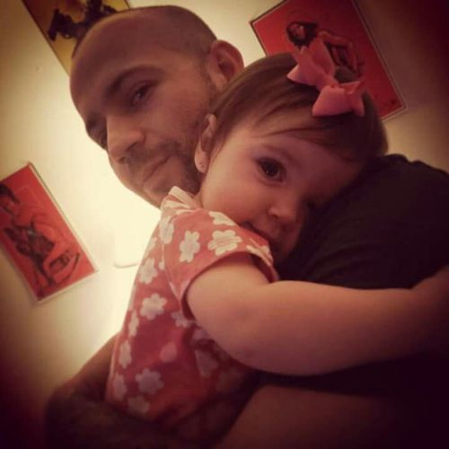 Just a random pic of my brother and his daughter. Unclelove Brolove