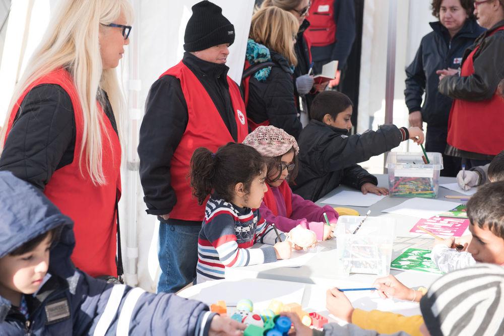 Idomeni Refugee Camp 12/15 Childern Childernplay Eidomeni Europe Girl Greece Greek Idomeni Journalism Red Color Refugee Refugee Camp Refugees Refugees Crisis Refugeescampsite Reportage Unhcr Camp