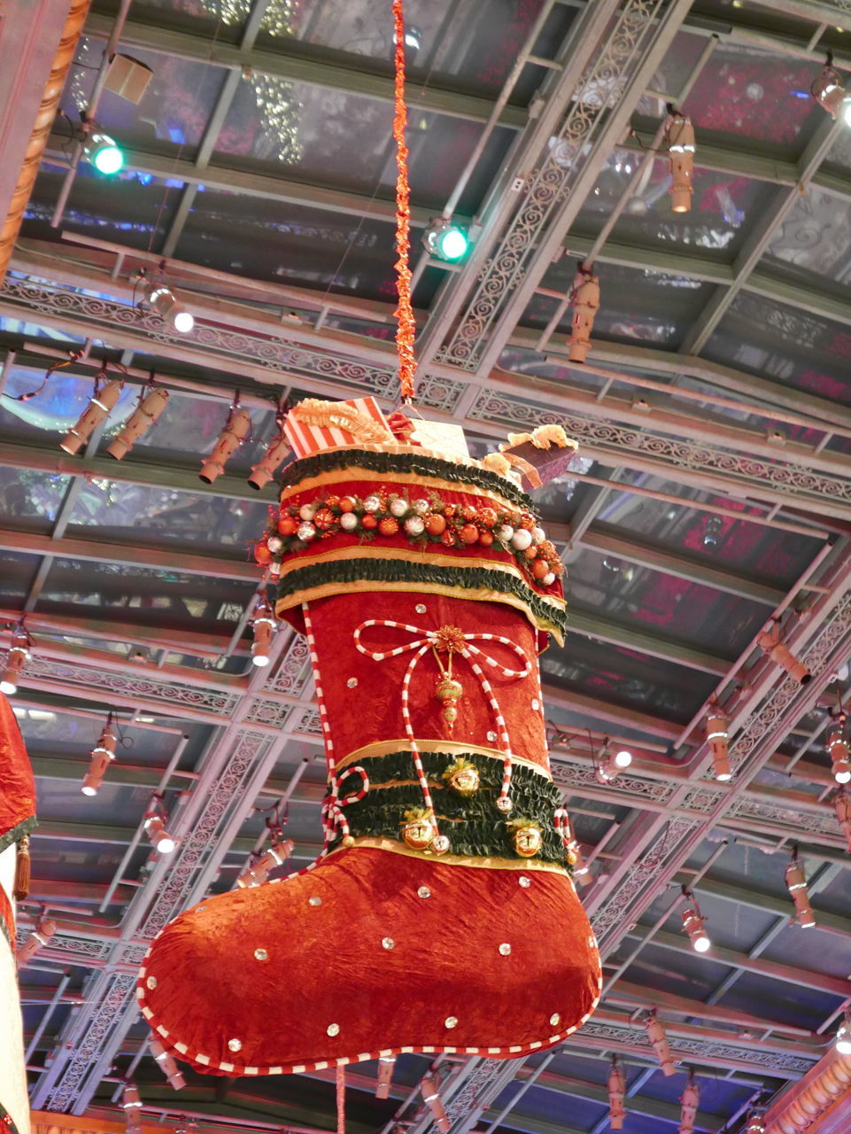 hanging, low angle view, cultures, indoors, chinese lantern, no people, celebration, lantern, illuminated, roof, red, chinese new year, close-up, day