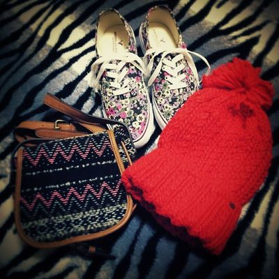 sooooo happy?? Americaneagle Shoes Bag Knithat sohappyitfinallyarrived!