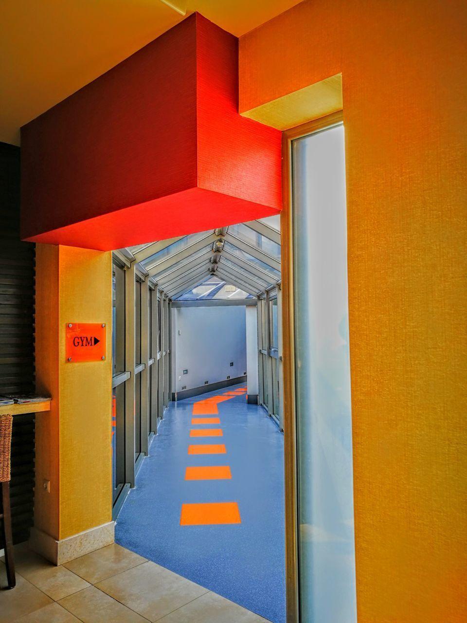 door, built structure, corridor, the way forward, architecture, indoors, no people, day