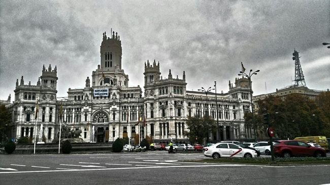 Cibeles Madrid People Photography Streetphotography Street Architecture Taxi Police Cars Sky