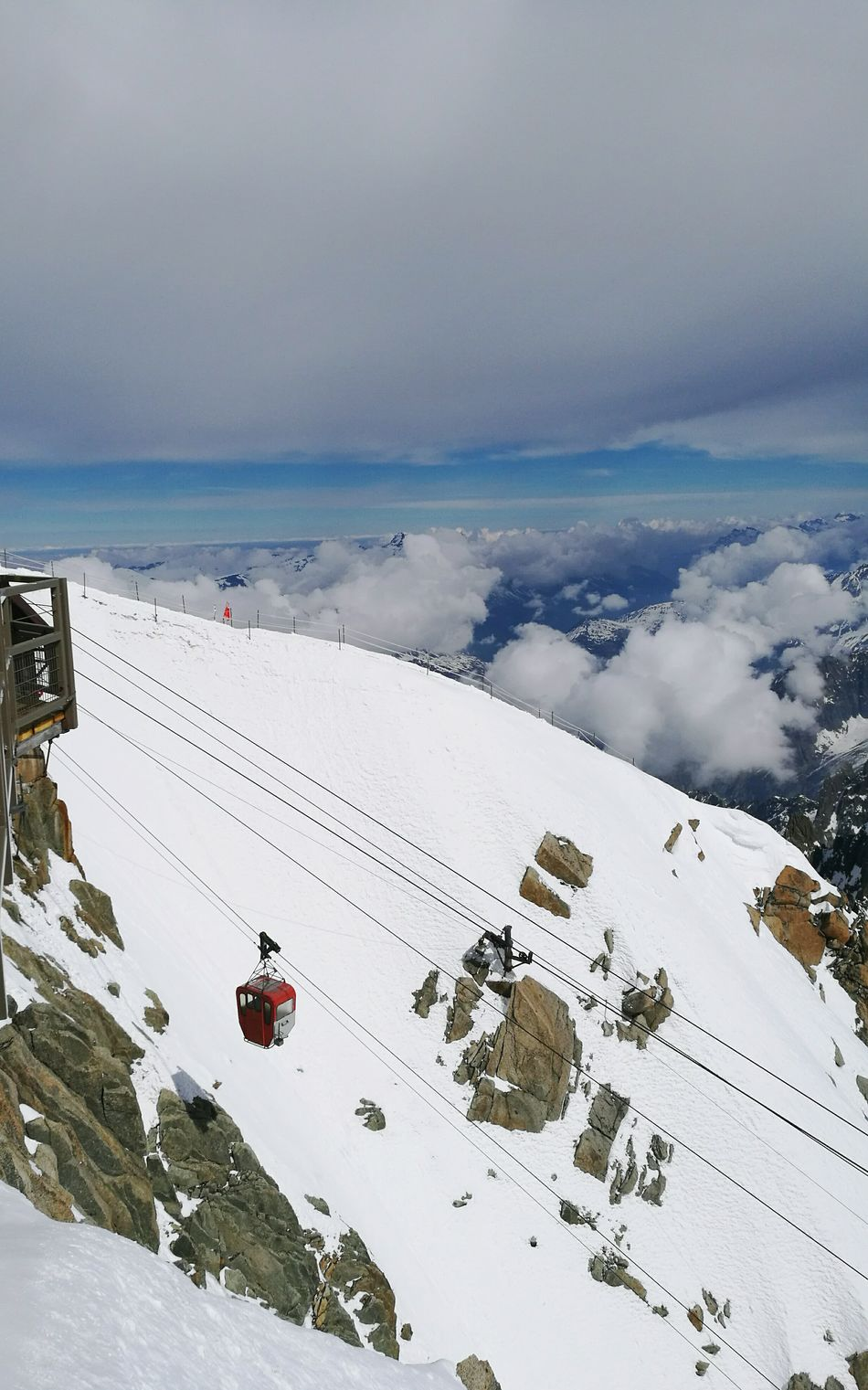 Aiguille du midi Chamonix-Mont-Blanc France 🇫🇷 Ski Skiing Sky Sky And Clouds Snow Snow Day Snowboarding Snow Sports Mountains mountain views Cold Temperature Point Tranquility Nature Beauty In Nature April 2017 Grands Montets Brevent Flegere Sea And Sky EyeEm Best Shots Eye4photography  EyeEm Gallery EyeEmBestPics