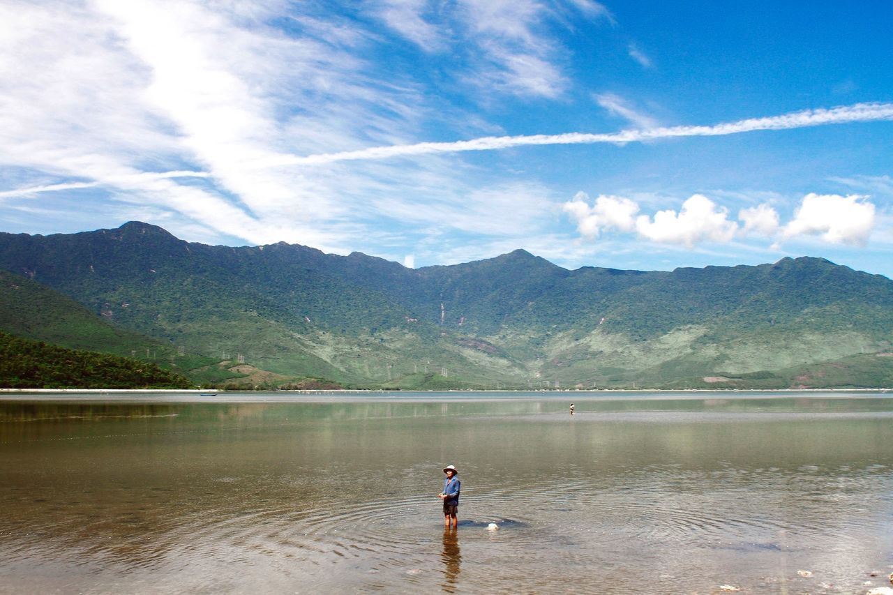 Beautiful stock photos of fishing, 50-54 Years, Beauty In Nature, Day, Distant