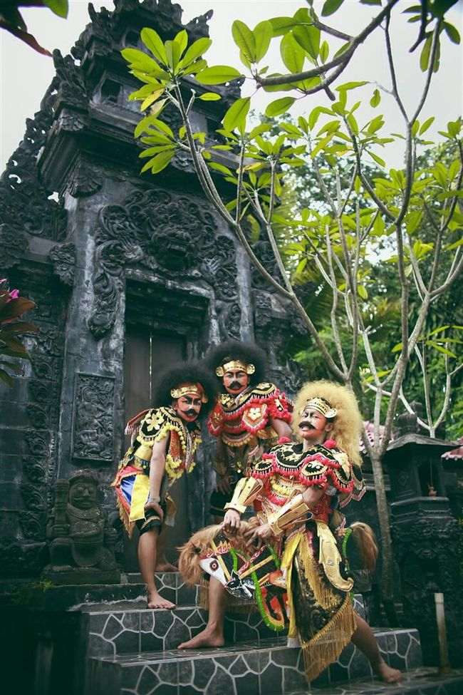 The Human Condition Beemboss @bmalit @beemboss Www.beemboss.com Reog KBW Dance Trance Dance Loveindonesia