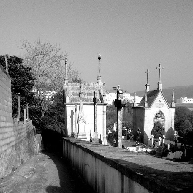 17. Rua Rua Desculpashamuitas Pretoebranco Cemiterio Cemetery Blackandwhite Street B &w Portugal