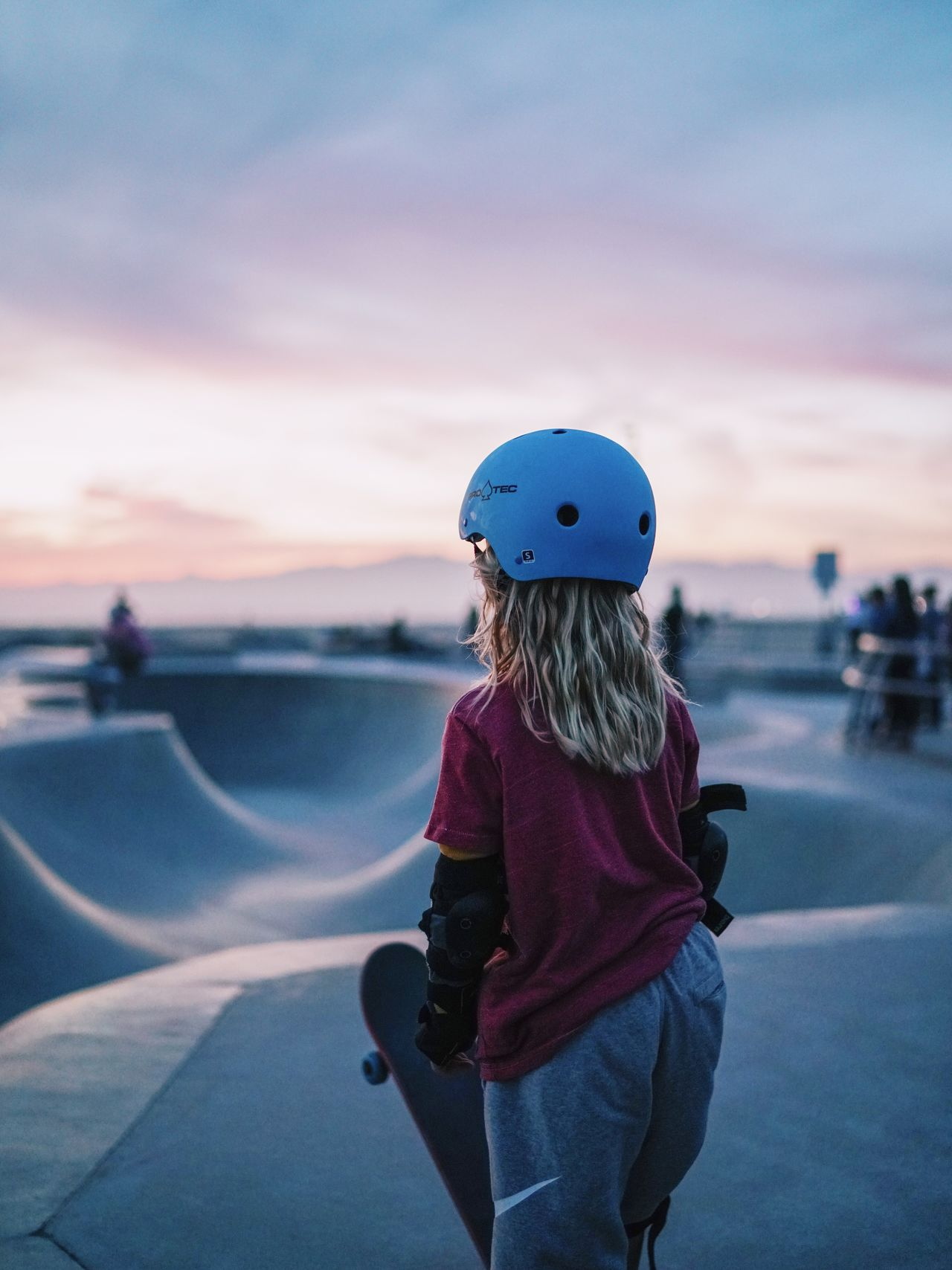 Sunset California California Love California Dreaming California Sunset WestCoast Skater Skateboarding Skatepark Skate Life Skatergirl Kids Kids Playing Youth Of Today Helmet Venice Beach Outdoors