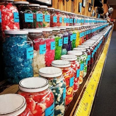 Candy candy candy! Chutters Newhampshire Littleton Ignewengland candy funday guinessbook longestcandycounter