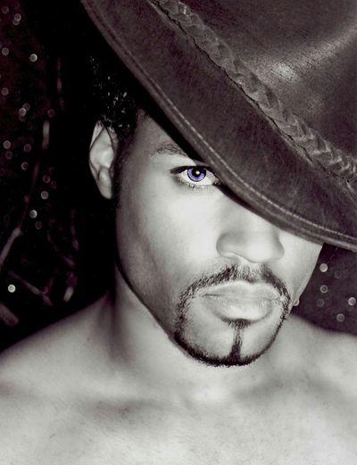 The Portraitist - 2015 EyeEm Awards Luna Luis Ortiz Luna Lens Boy Blue