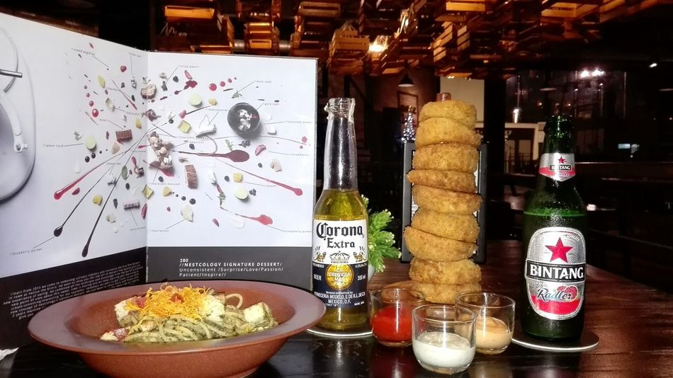Dinner date with Kao Chan at Nestcology Semarang , Indonesia Bistro Cafe Dinner Dinner Date Romantic Corona Beer Bintang Beer Spaghetti Carbonara Spaghetti Seafood Onion Rings