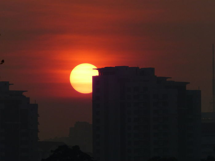 found this old photo taken from my house balcony Singapore Sunset Sunset_collection Sunset Silhouettes Sunset #sun #clouds #skylovers #sky #nature #beautifulinnature #naturalbeauty #photography #landscape