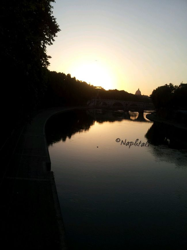 Oh the wonders mine eyes have seen in troubling times. TheMinimals (less Edit Juxt Photography) Tramonto Trestevere Roma