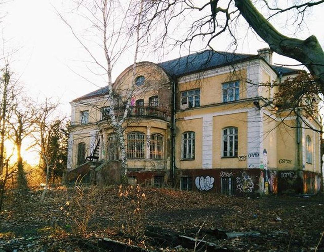 Грустно, что много заброшенных, разваливающихся домиков. калининград Kaliningrad Vscorussia Vscoarchitecture Architecture Königsberg