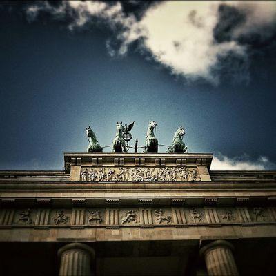 The Brandenburg Gate Quadriga Berlin | #BrandenburgGate #Quadriga #Berlin #lobo_city #lobo_bw #streetphotography #iphone #iphoneography #iphoneographer #igers #iphoneology #jj #city #instagram #instgramers #photooftheday #bestoftheday #picoftheday #photo Photooftheday Lobo_city Instagram Photoparade Picoftheday Instgramers Quadriga Iggermany Instamood Bestoftheday Igers Instago Streetphotography Jj  Berlin Statigram IPhone Instadaily City Pictureoftheday IPhoneography Igersberlin IPhoneographer Brandenburggate Germany Iphoneology Photography Lobo_bw