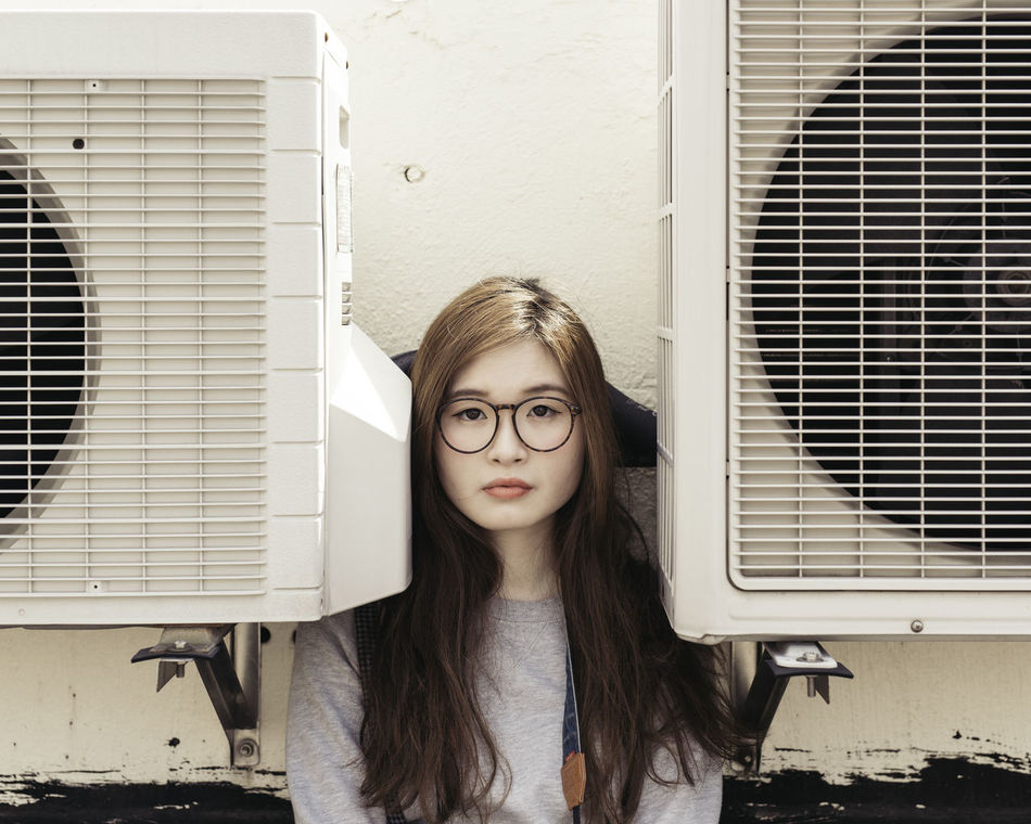 Beautiful stock photos of glas, 20-24 Years, Air Duct, Asian And Indian Ethnicities, Brown Hair