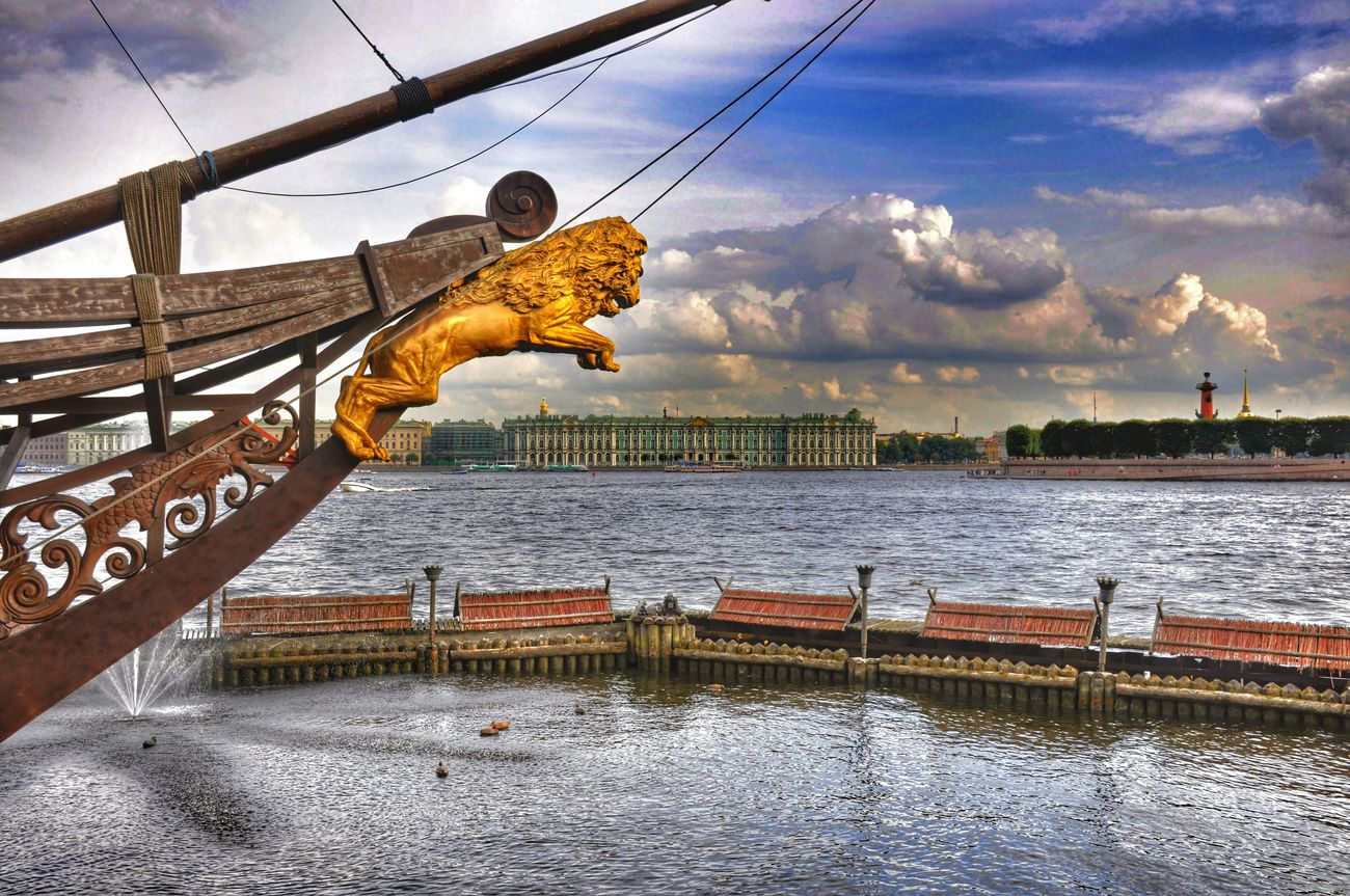 Jump on Hermitage... Sanpietroburgo Taking Photos EyeEm Best Shots HDR Collection