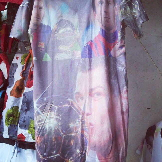 هو رونالدو و ميسي  ايه ما هما واحد لا_للتعصب التيشيرت الاسطورة مصر اوم_الدونيا Ronaldo Messi TShirt football Great Egypt