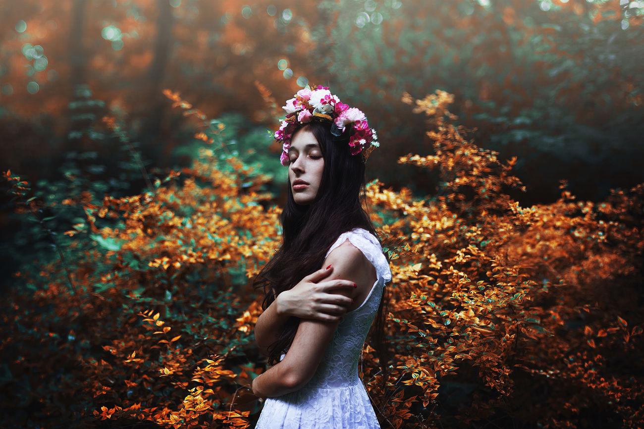 """The Dougther of th light"" Portrait Colors Light Girl Fineart Green Orange"