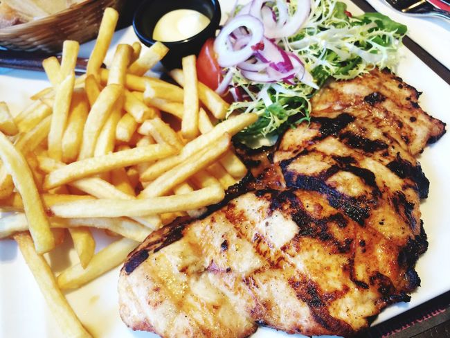 Lunch Grilled Chicken French Fries Patata Salad Yummy Tasty Delicious Indoor Cloudy Weather