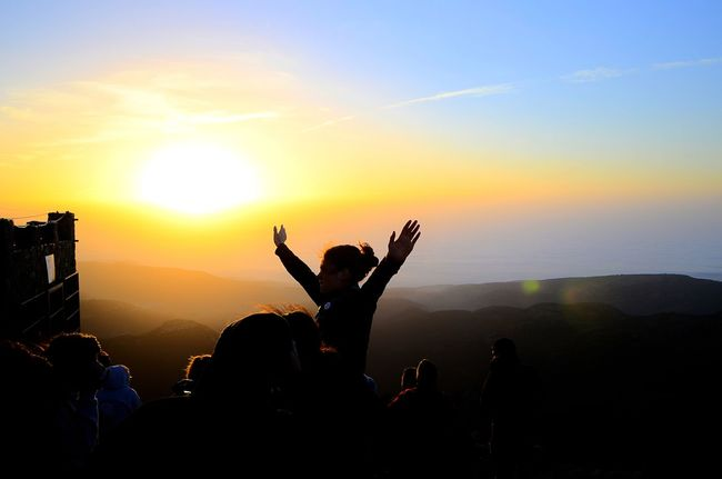 Original Experiences When we were in a summer camp, we climbed the Penyagolosa peak to see the dawn. Amazing experience! Scouts Scouts Time Nature Mountains Colours Sky Backlight Sun