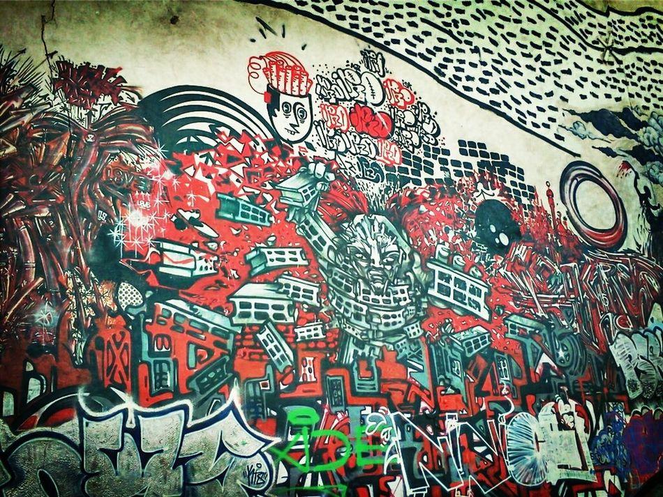 Streetphotography Graffiti Streetart Red Belleville Zoo Cinder Block