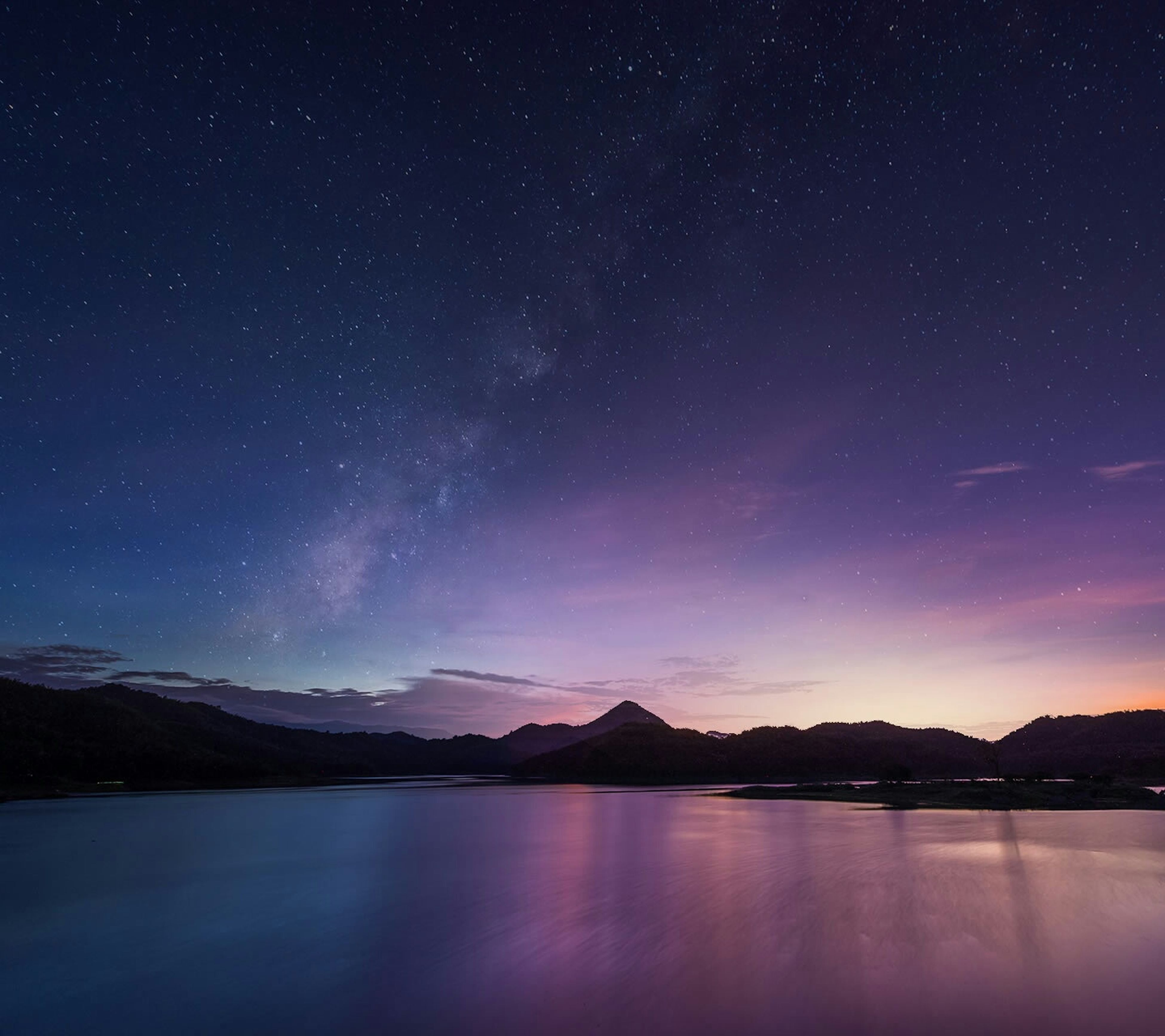 night, scenics, tranquil scene, star - space, tranquility, beauty in nature, star field, astronomy, sky, water, nature, idyllic, mountain, galaxy, majestic, space, star, lake, mountain range, reflection