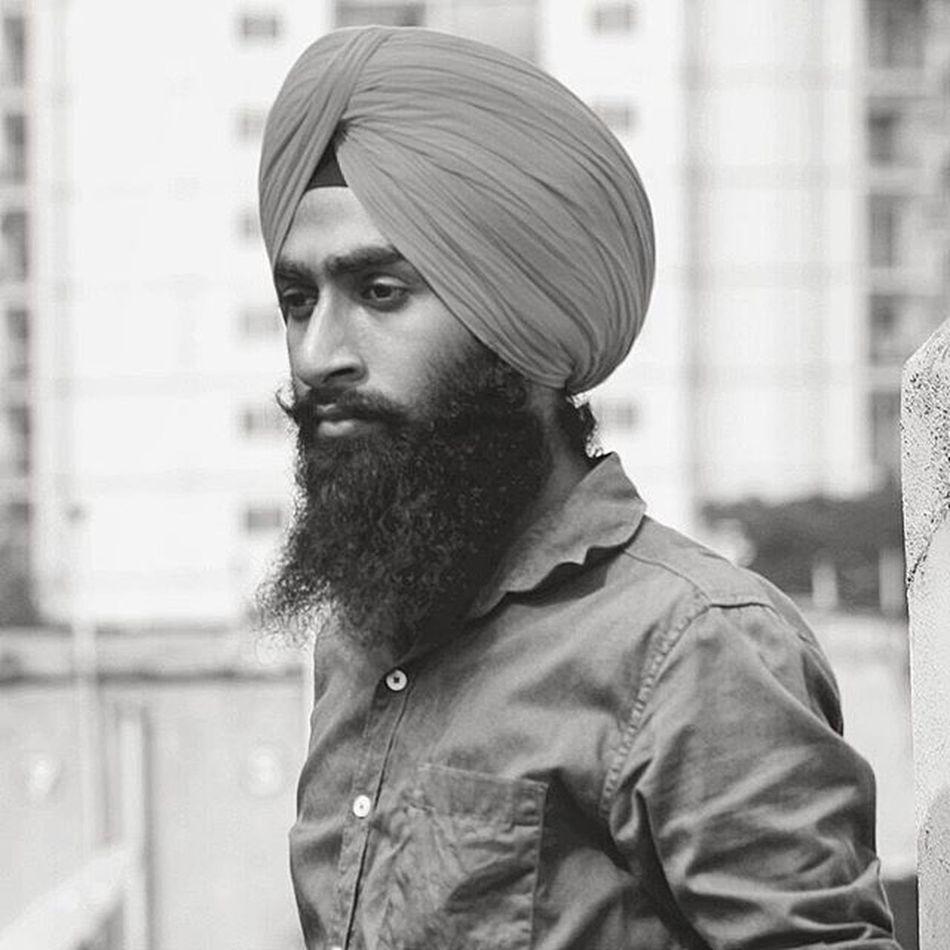 Black and white..... Black White Gill Jatt Blackandwhite Bnw WOW Peace Singh Turbanandbeard Desibeard Beardlove Beard