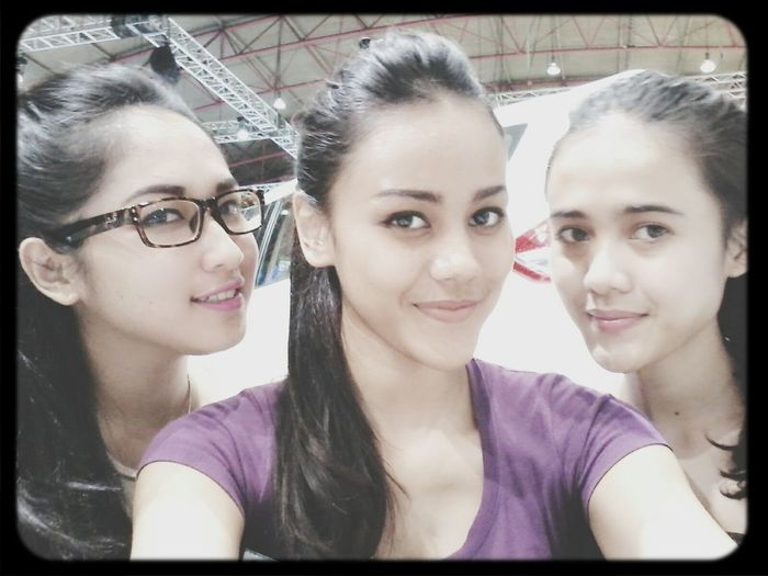 with niken and selva.. mybesties*