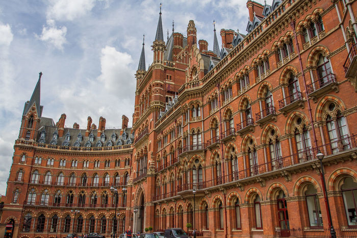 The exterior facade of The St Pancras Renaissance Hotel in London showing the architectural detail and curved facade of this famous London landmark. ARCHITECT Architectural Detail Architectural Feature Architecture Architecture Architecture_collection Architecturelovers Building Exterior Built Structure Capital Cities  City Curve Curves Façade Famous Place Gothic Hotel Kings Cross London London_only Londonlife LONDON❤ St Pancras St Pancras Renaissance Hotel Travel Destinations