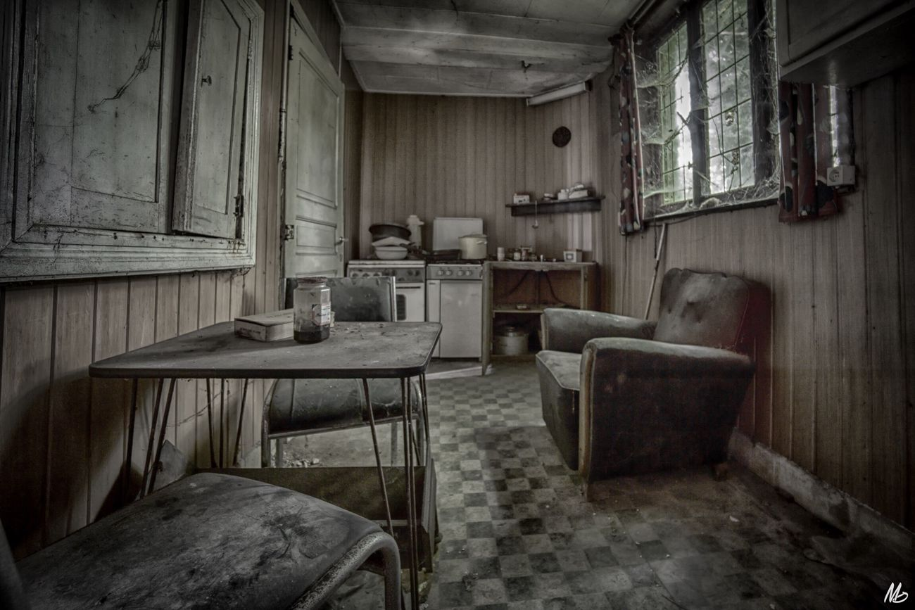 Old Kitchen 🍽 Abandoned Indoors  No People Table Bad Condition Domestic Room Old-fashioned Chair Antique Beautiful Hanging Out Urbex_prestigious Home Interior Discarded Urbanexploration Enjoying Life Abandoned Places EyeEm_abandonment Beauty Of Decay Abandoned_junkies Urbex_supreme Lostplaces Abandonment_issues Urbex Hello World